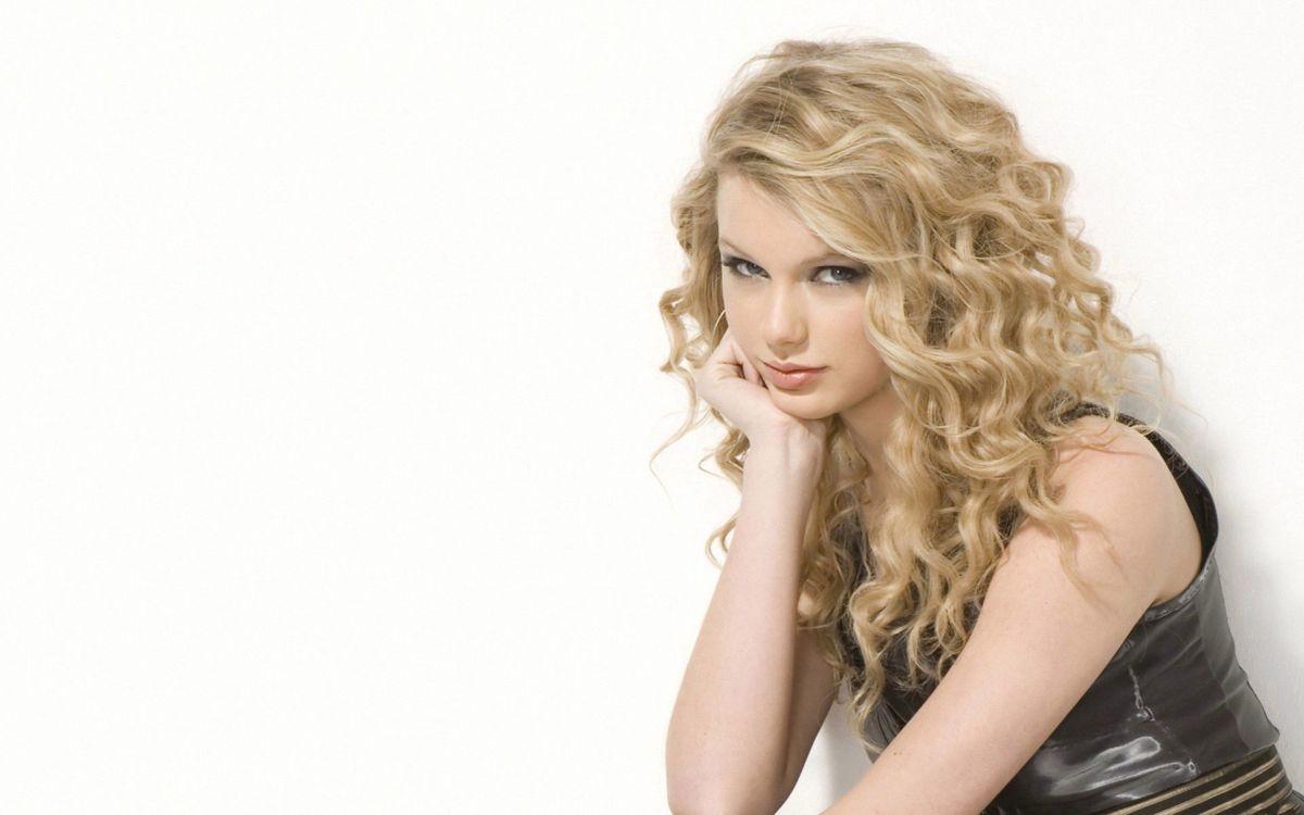 "Must Watch! ""Latest Taylor Swift Video""Taylor Swift – Bad Blood ft. KendrickLamar"